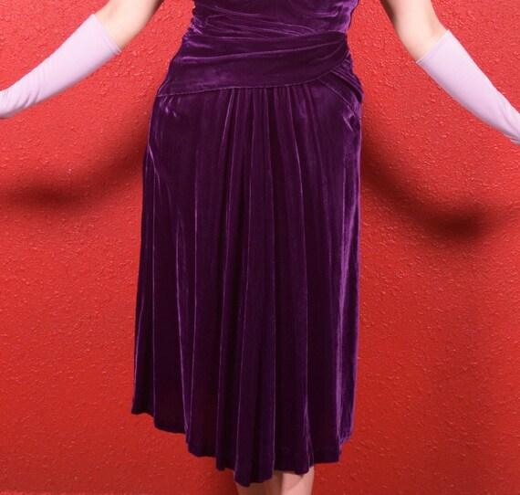 1930s Purple Silk Velvet Draped Dress - image 9