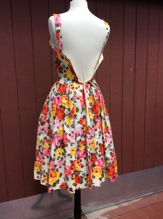 1950s Stunning Rose Print Dress with Sequins Phot… - image 6