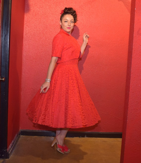 1950s Red Lace Dress Large with Bolero and Circle… - image 3