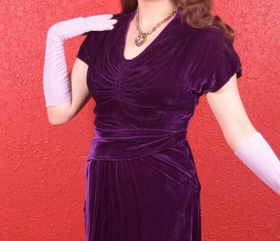 1930s Purple Silk Velvet Draped Dress - image 4