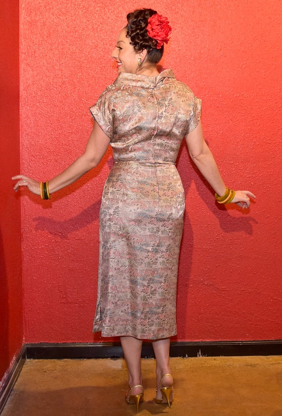 1950s Pink Brocade Asian Print Fitted Cocktail Dr… - image 4