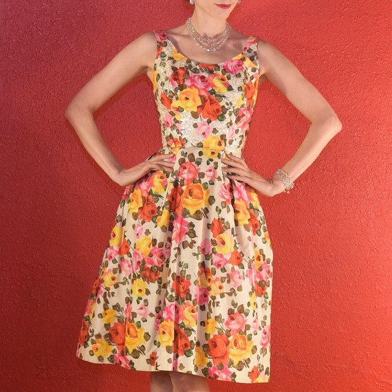 1950s Stunning Rose Print Dress with Sequins Phot… - image 1