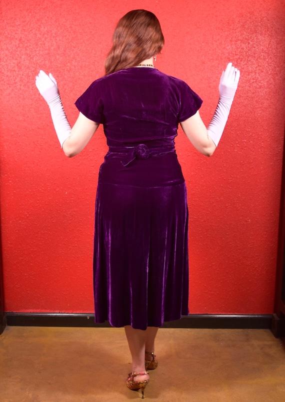 1930s Purple Silk Velvet Draped Dress - image 3