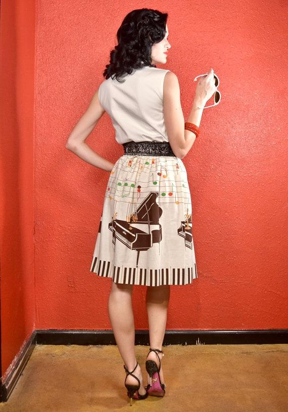 1950s Novelty Print Golden Candelabra Skirt - image 6