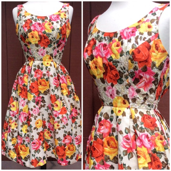 1950s Stunning Rose Print Dress with Sequins Phot… - image 4