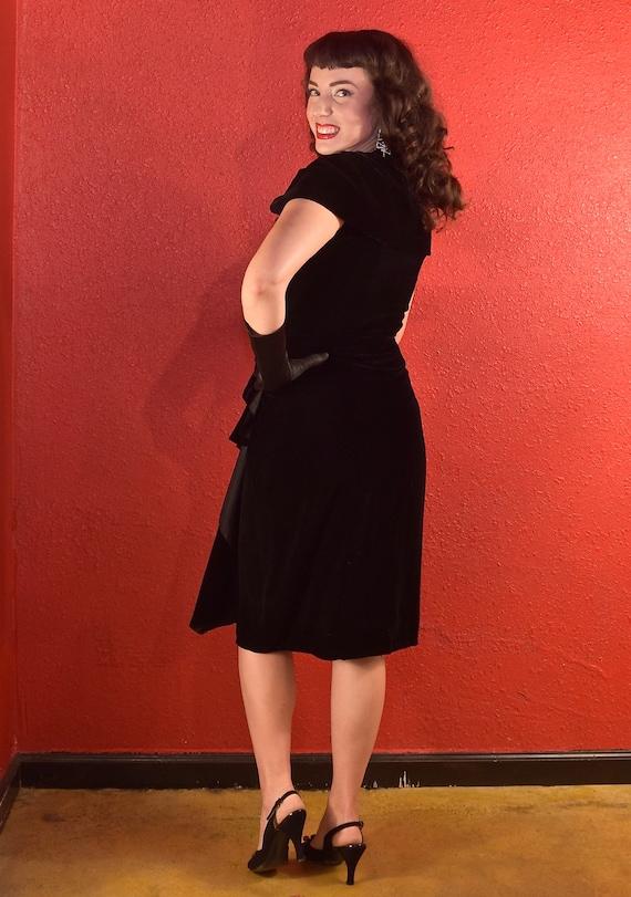 1950s Suzy Perette Dress Black Velvet Draped Shea… - image 5