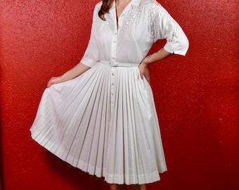 1960s White Lace & Cotton Blend Shirtwaist