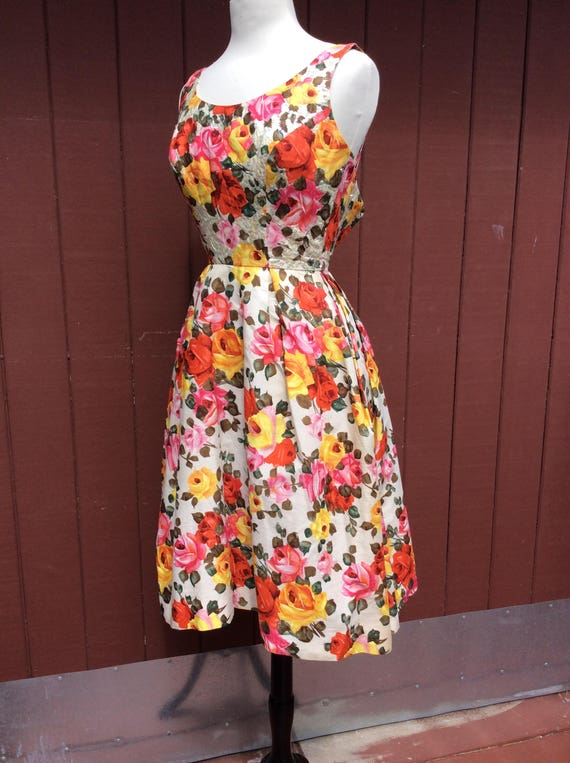 1950s Stunning Rose Print Dress with Sequins Phot… - image 7