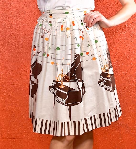 1950s Novelty Print Golden Candelabra Skirt - image 2