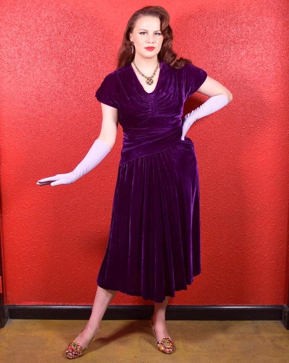 1930s Purple Silk Velvet Draped Dress - image 8