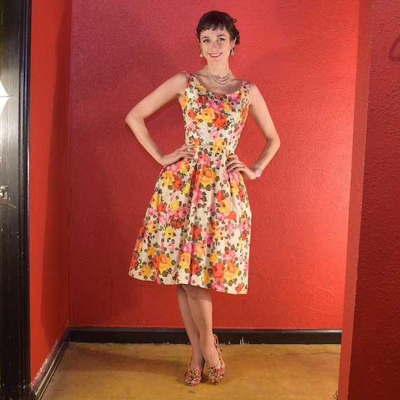 1950s Stunning Rose Print Dress with Sequins Phot… - image 3