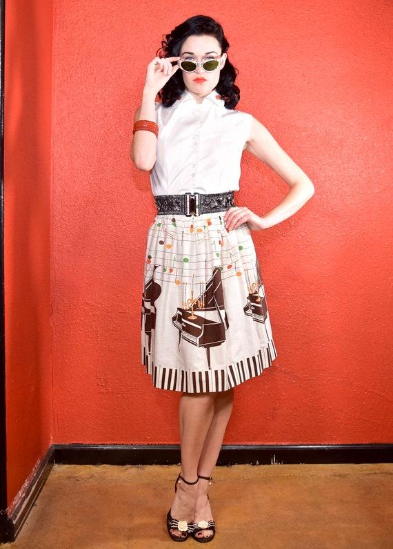 1950s Novelty Print Golden Candelabra Skirt - image 3