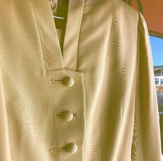 1950s Lilli Ann Golden Gabardine Ladies Suit - image 8
