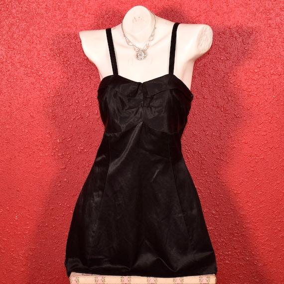 1930s 40s Black Sateen Swimsuit - image 3