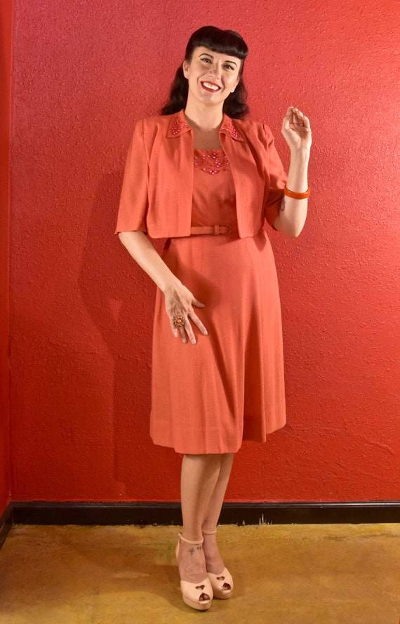 1940s Dress and Bolero Large Coral Dyed Pearls - image 2