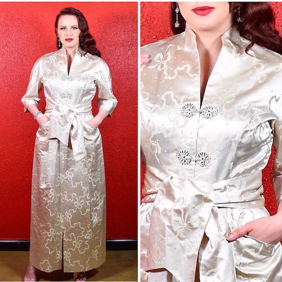 1950s Bow Print Silk Dynasty Lounge Robe
