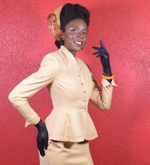 1950s Lilli Ann Golden Gabardine Ladies Suit - image 7