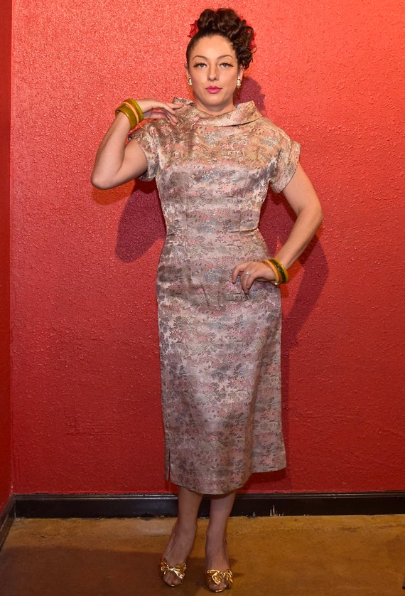 1950s Pink Brocade Asian Print Fitted Cocktail Dr… - image 1
