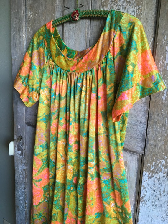 Mid Century Floral Muumuu, Floral House Dress, Haw