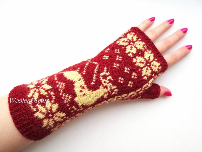 LADIES WOMENS SNOWFLAKE REINDEER CHRISTMAS  KNITTED GLOVES ARM WARMER GIFT UK