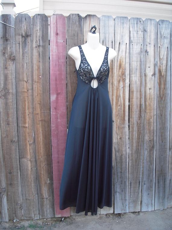 Vintage Olga Black keyhole Nightgown