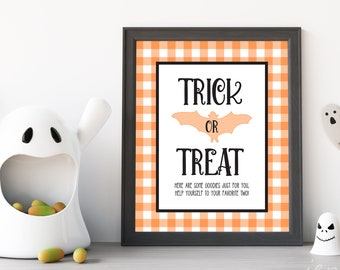 Printable Trick-or-Treat Sign | Trick-or-Treat Sign | Printable Halloween Sign | Printable Halloween Decor | Gingham Halloween Decor
