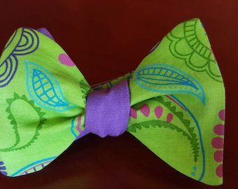 Green and Purple Paisley 2-in-1 Freestyle Bowtie