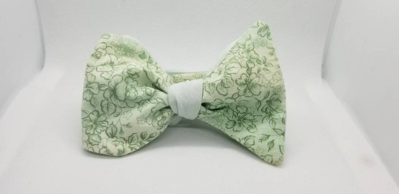 Green Floral Designer Freestyle BowTieByEDJ image 0