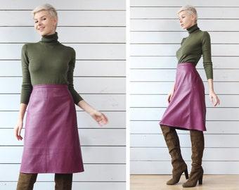 41578dca622b1 Vintage plum purple faux leather high waist over the knee length A line midi  skirt S M