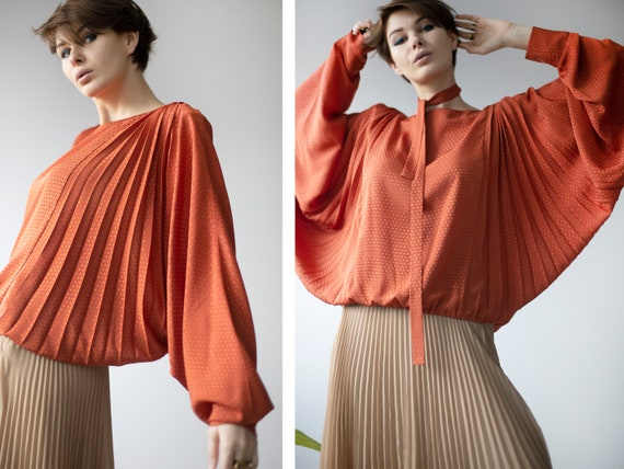 Vintage orange extravagant pleated batwing sleeve