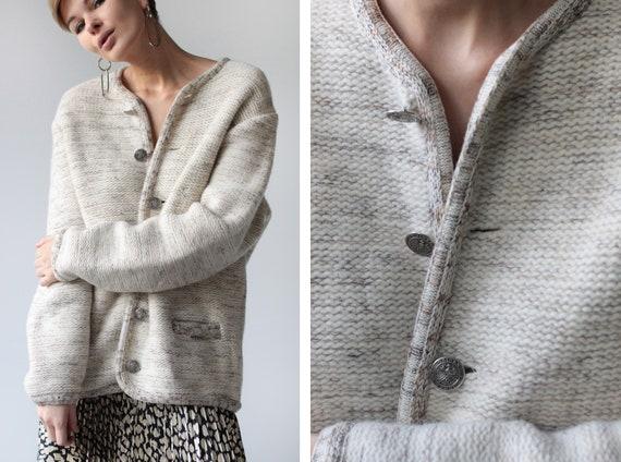 Austrian vintage melange white beige wool knit lar