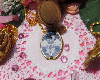 Accurate Style ~~~~o·:*)) ~REVOLUTIONARY Girl Utena Juri Rose Locket One of a Kind