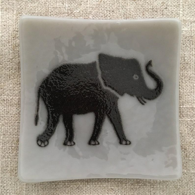Elephant Eco-friendly Fused Glass Plate 3 colors available Elephant Grey/Black