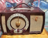 Vintage 1951 Chocolate Brown Bakelite Case Zenith Armstrong Model H724 The Super Triumph Tube Electric Table Radio Works