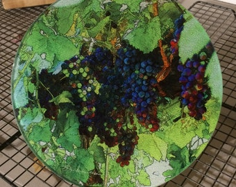 Round Glass Cutting Board - Grape Vine - 8 in