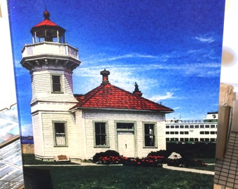Glass Cutting Board Large - Mukilteo Lighthouse - 12 in x 15 in