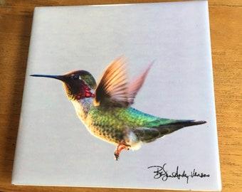 "Ceramic Tile - Anna'a Hummingbird Flying  4.25"" x 4.25"""