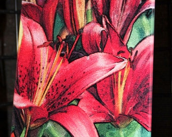 Glass Cutting Board - Red Asian Lily  7.75in  x 10.75in