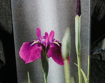 Glass Cutting Board - Iris Laevigata 7.75in  x 10.75in