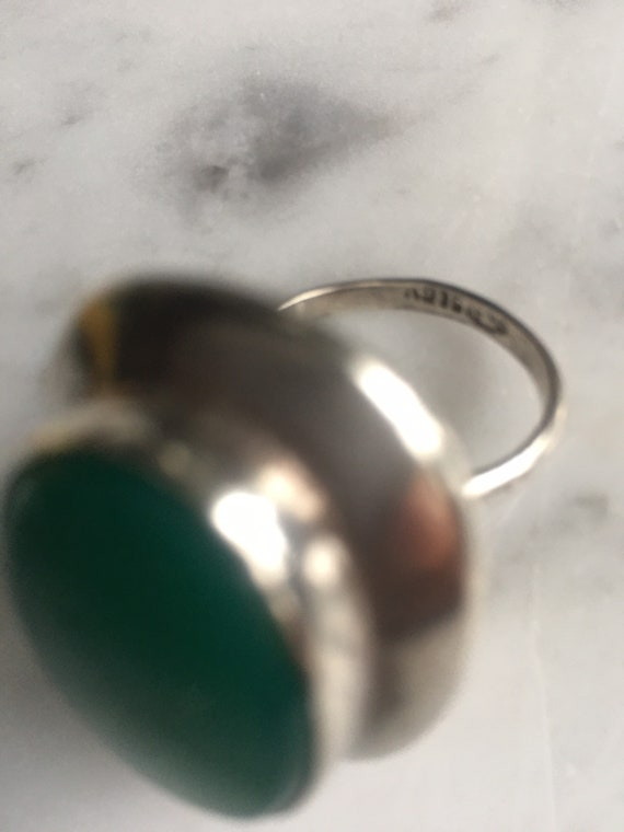 Vintage 60's Mod Jade and silver cocktail ring - image 4