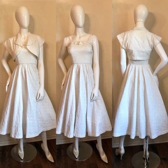 1950's White Embroidered Matelasse Sun Dress with