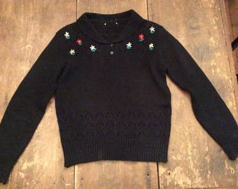 1940's Embroidered Wool Knit Folkloric Ethnic Sweater S-M