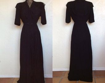 1940's Old Hollywood Black Rayon Crepe & Lace Evening Gown Dress L