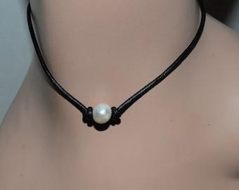 Single Bead Choker, pearl bead necklace, 14 inch necklace, leather cord necklace, knotted necklace, birthday present, dainty necklace, Zen