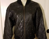 VINTAGE 90 39 S STUDDED BOMBER Jacket The Limited Black Quilted Genuine Leather Size M Biker Sexy Gold Studs Hipster Winter Cropped Sexy