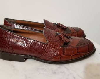 7a919538994 SOLD    STACY ADAMS Snakeskin Loafers 80 s Brown Leather Croc Men s Yuppie Shoes  Size 8 Wall Street Retro Lawyer Tassels