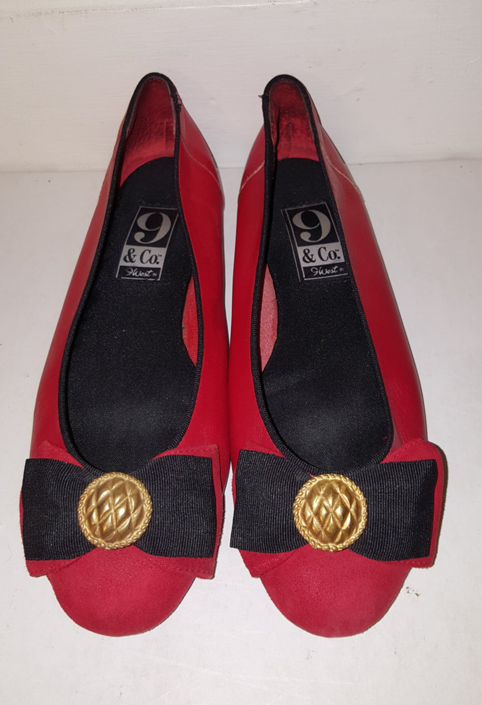 the red shoes // 9 west ballet flats 80's suede 9&co. bow shoes 90's leather size 7.5