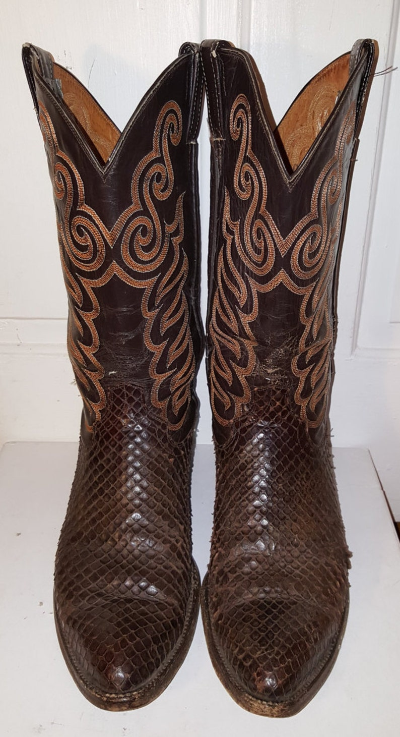6a9675ef8d5 SNAKESKIN COWBOY BOOTS // Men's Leather Dark Chocolate Brown Embroidered  Stitched Boots Size 9 Pointy Distressed Snake Skin Sullivan
