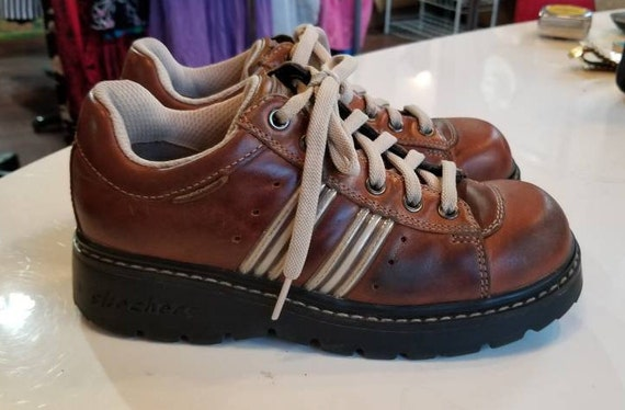 VINTAGE LEATHER SKECHERS 90's Lug Sole Brown Leather Striped Lace Up Size 6 Hipster Spice Girls Punk Raver Club Kid Back To School