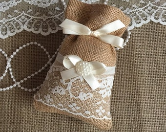 10 favor bags, burlap and ivory lace wedding favor bags, bridal shower, baby shower.